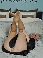 Nikki tease with Her sexy legs and feet in pantyhose