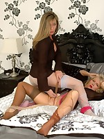 Ripping fun for two nylon babes