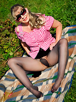 Coffee colored pantyhose