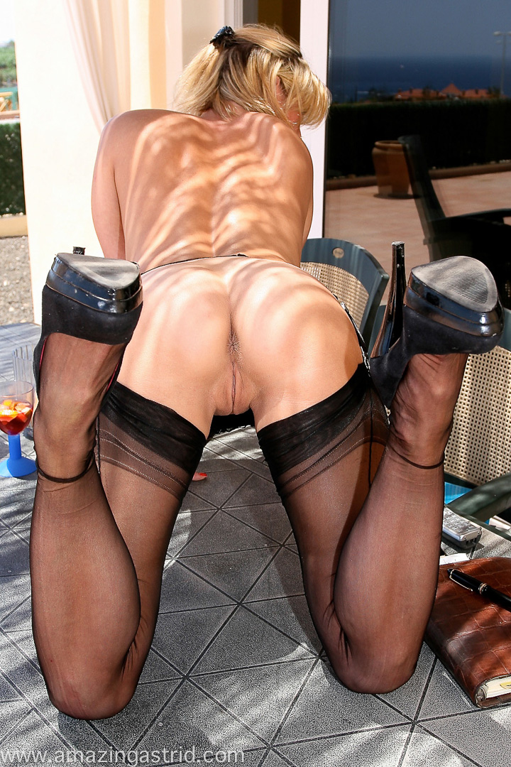 Can Mature pantyhose seduction understand
